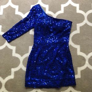 Dresses & Skirts - One sleeve formal dress